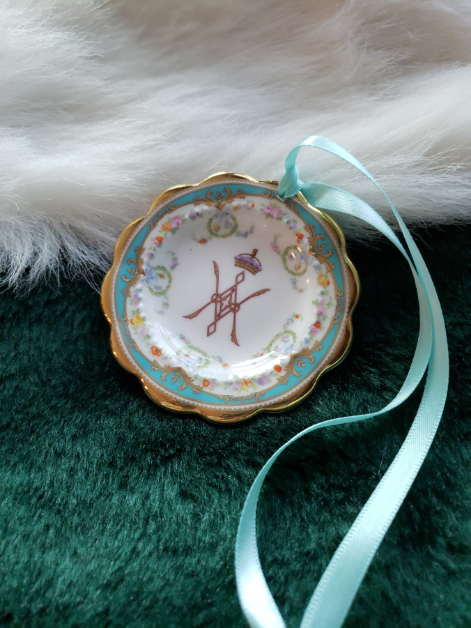 Winsor ornament